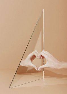 Hand Heart - Photography by Agnes Lloyd-Platt, Nail Varnish: Ithaque by NARS Hand Photography, Creative Photography, Fashion Photography, Baby Mirror Photography, Reflection Photos, Reflection Photography, Look Body, Instalation Art, Foto Fashion