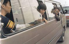 □ □ □ □ スピッツ ライブ写真集 1996-1997 □ □ □ □ ⇒⇒ こちら送料は無料です! クロネコDM便でお送りいたします★ (発送方法は当方指定。クロネコDM便、クリックポストなど追跡可能なものでお送りいたします/国内発送限定) スピッツ ライブ写真集 1996-1997 SPITZツアーパンフ JAMBOREE TOUR '96-'97 ライブフォトブック 全85ページ程です。 保存状態もなかなか良いと思います。 軽く汚れあり 送料は無料です。クロネコDM便でお送りいたしま...