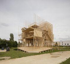 Genetischer Code - Holzpavillon von ALICE in Lausanne