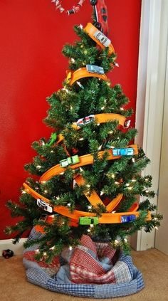 HotWheels tree perfect for the playroom