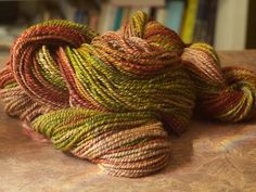 Yarn Harlot's references to lots of Ravelry patterns for scarves/wraps.