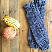 Knitting Patterns Leg Warmers Ravelry: Desolation Cable Leg Warmers pattern by Kathy Simpson free pattern Knitting Patterns Boys, Knitting For Kids, Knitting Ideas, Free Knitting, Skirt Pattern Free, Free Pattern, Knit Baby Pants, Crochet Leg Warmers, Knit Crochet