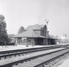 COOKSVILLE, Ontario Canadian Pacific RR Station -p1955