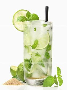 3 Refreshing Non-Alcoholic Drinks To Pair With Your Steak My Favorite Food, Favorite Recipes, Non Alcoholic Drinks, Voss Bottle, Healthy Snacks, Smoothies, Shake, Lime, Food And Drink