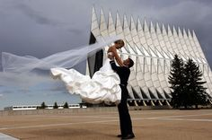 http://SpringsWeddings.com ... LOVE this from http://NewConceptPhotography.com