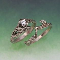 Interlocking vines, branches and leaves wedding ring and band