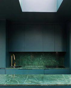 Marble Interior, Kitchen Interior, Kitchen Decor, Interior Design, Minimalism Living, Marble Room, Green Marble Bathroom, Casa Top, Cocinas Kitchen