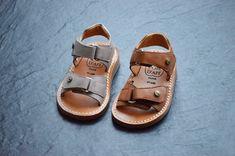Photo : Sur la page des Pom d'Api mais aussi dans la boutique et sur le e-shop des Casse-pieds.