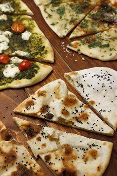 Индийские лепешки Наан • Guilty Food http://guiltyfood.ru/naan-bread/
