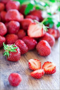 Strawberries by laperla2009