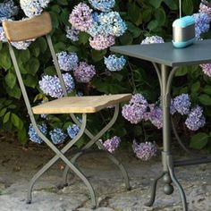 Antea Seating System by #Unopiu starting from £35. Showroom open 7 days a week. #fcilondon #furniture_showroom_london #furniture_stores_london #Unopiu_garden_furniture #Unopiu_outdoor_furniture #Modern_Outdoor_Furniture