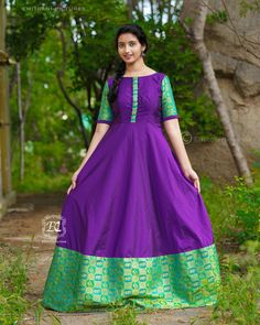 Stylish Ethnic Long Suits That Are Going To Trend Next Year Too is part of Indian gowns dresses - Tradition meets trend Indian Long Dress, Indian Gowns Dresses, Indian Fashion Dresses, Indian Outfits, Frock Fashion, Fasion, Fashion Fall, Fashion 2018, Cheap Fashion