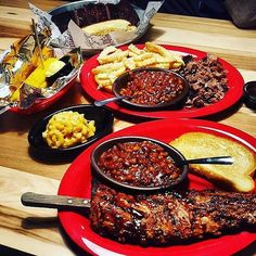 Our perfect lunch: a big helpin of BBQ.  : ekim052476