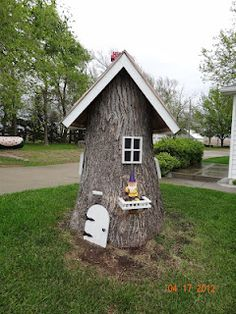 Tree stump fairy house.. the girls would love this!!