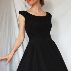Love this dress. Picture going on the fridge as a reminder! :)