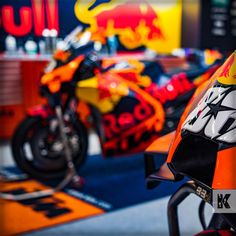 A hot motorcycle deserves a cool parking space! #KleenTexEurope #KTM #motorcycle #Ktmfactoryracing #pointofsale #garage #showroom #MakeMoreofYourFloor Kleen-Tex is an official partner of Red Bull KTM Factory Racing. Photo by: Rob Gray (Polarity Photo) Ktm Factory, Parking Space, World Leaders, Floor Mats, Red Bull, Showroom, Baby Strollers, Garage, Racing