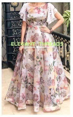 Lehenga Designs, Kurta Designs, Kurti Designs Party Wear, Blouse Designs, Girls Frock Design, Long Dress Design, Dress Neck Designs, Long Gown Dress, Frock Dress