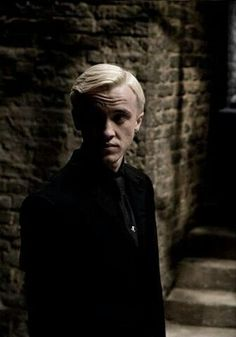 Vern, the villain. (Lol, idk why I imagine him like Draco, but I do. Estilo Harry Potter, La Saga Harry Potter, Mundo Harry Potter, Harry Potter Draco Malfoy, Harry Potter Cast, Harry Potter Characters, Tom Felton, Draco Malfoy Aesthetic, Slytherin Aesthetic