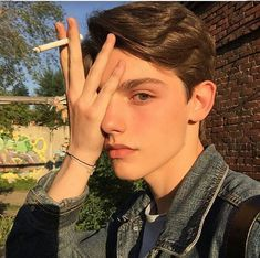 50 Ideas Fashion Model Photography Grunge For 2019 Beautiful Boys, Pretty Boys, Beautiful People, Fotos Tumblr Boy, Clear Skin Tips, The Face, Aesthetic People, Drawing People, Handsome Boys