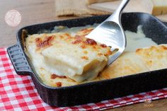 SECONDI PIATTI DI NATALE Quiche, Eat Smart, Sweet And Spicy, Mozzarella, Lasagna, Italian Recipes, Mashed Potatoes, Macaroni And Cheese, Cake Recipes