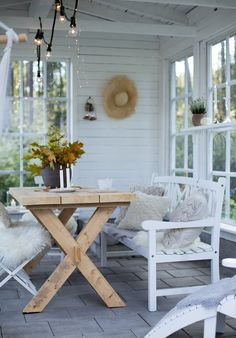 Sunroom Decorating, Decorating Your Home, Outdoor Spaces, Outdoor Living, Outdoor Decor, Garden Living, Home And Garden, Diy Greenhouse Plans, Southern Farmhouse