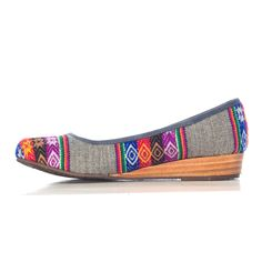The question is, do I buy these, or do I wait for our trip to Peru to see if I can find any there for my ginormous feet?