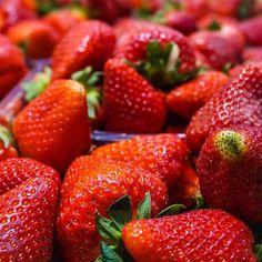 Kann die Erdbeersaison schon garnicht mehr erwarten :) in Spanien sind sie schon reif ☺️ #strawberry#fruit#fruits#healthy#spring#summer#food#yummy#sweet#enjoy#smoothie#instafood#instafruits