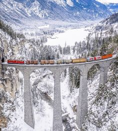 Trying to Catch The Train - Viaduc de Landwasser, Switzerland 😎🤙🚂💨 Courtesy of World Goals, Switzerland Destinations, World Icon, Travel Nursery, Travel Drawing, Travel Party, World Pictures, Travel Themes, Travel Ideas