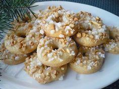 Smícháme sypké suroviny, přidáme na menší kousky nakrájený tuk, vejce a vypracujeme těsto. Zabalíme do fólie nebo vložíme do mikrotenového sáčku… Bagel, Cupcake Cakes, Cupcakes, Doughnut, Bread, Brot, Baking, Breads, Buns