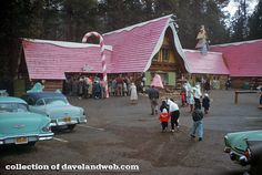 Santa's Village was a winter-themed amusement park in the Skyforest section of Lake Arrowhead, California. Santa's Village, Village Photos, Lake Arrowhead, Dundee, Vintage Santas, Winter Theme, Amusement Park, Back In The Day, Abandoned