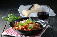 God spaghettisaus.. Quinoa, I Love Food, Cooking Recipes, Pasta, Drink, Lasagna, Cooker Recipes, Drinking