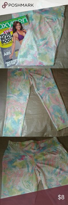 LADIES Active Workout Leggings Capri WORKOUT leggings/ in great condition/ Beautiful splash paint coloring Ultra Flirt Pants Leggings