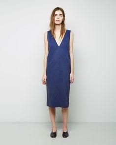 La Garçonne   -  Softly textured, imitation denim Color: Denim. 54% lyocell, 23% linen, 21% cotton, 2% polyurethane.