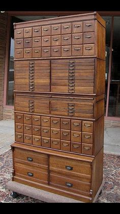 Industrial Furniture - - Furniture Plans - Old Furniture Dresser Unique Furniture, Furniture Plans, Rustic Furniture, Office Furniture, Vintage Furniture, Garden Furniture, Furniture Design, Outdoor Furniture, Furniture Projects