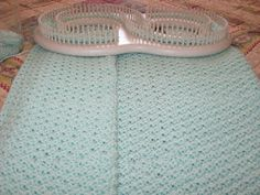 Supplies: KB Super Afghan Loom 872 yards of Mary Maxim Baby Kashmere \'Hint of Mint. Loom Knitting Blanket, Loom Blanket, Afghan Loom, Loom Knitting Stitches, Knifty Knitter, Loom Knitting Projects, Knitted Blankets, Yarn Projects, Giant Knitting