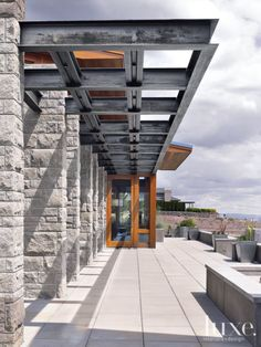 Modern Courtyard Trellis