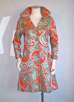 Vintage OSCAR de la RENTA BOUTIQUE Coat Metallic Paisley Tapestry Opera Jacket Vintage Coat, Vintage Gucci, Vintage Style, 1960s Fashion, Vintage Fashion, Boutique Vintage, Corporate Outfits, Costume Collection, Couture Sewing