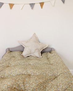 Floral bedding - Colette Beam