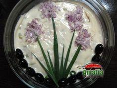 Ornare salata ruseasca (beuf) Party Platters, Taste Of Home, Food Design, Allrecipes, Food Art, Good Food, Fun Food, Flora, Veggies