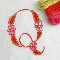 DIY pdf Crewel Embroidery Pattern Monogram Q in por PrairieGarden
