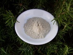 Minerals in Bentonite Clay - The body needs both macro and trace minerals in order to function efficiently. The magic in Earth's Natural Clay are the minerals.