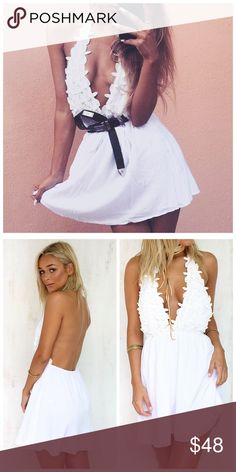 """White Floral Petals Halter Dress 🌸 * Floral Petals * Halter Neck  * Fully Lined * Cotton/Polyester   Model is wearing a size small. Boutique brand. L: 31"""" B: 30"""" W: 26""""   *Model shown wearing the exact product!  If you have any questions, feel free to ask! 💕 Free People Dresses Mini"""