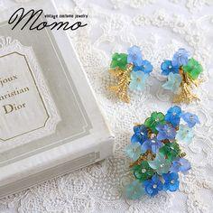 CHRISTIAN DIOR クリスチャンディオールのブルーとグリーンのルーサイトのお花のブローチ&イヤリングセット - ヴィンテージコスチュームジュエリーをご紹介しています♪