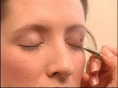 How to Apply Photo Shoot Makeup : Applying Eyeshadow for Photo Shoot Makeup - YouTube