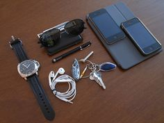 Apple - iPhone 4 – 64GB (2) Apple EarPods with...