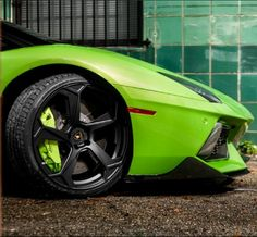Coming out to play - watch out for this Lamborghini Aventador Roadster Vorsteiner. #WildWednesday #spon