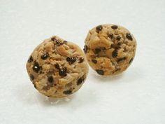 Choc chip cookie stud earrings