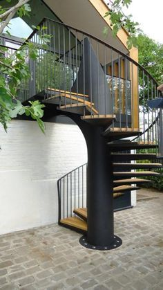 Morton House Stairs is a Modern, Bold Spiral Staircase with a Nautical Theme - The Perfect Staircase for Bringing the Outside In. Outdoor Stairs, Deck Stairs, House Stairs, Spiral Staircase Outdoor, Loft Staircase, Staircase Design, Outside Steps, External Staircase, Colonial Mansion