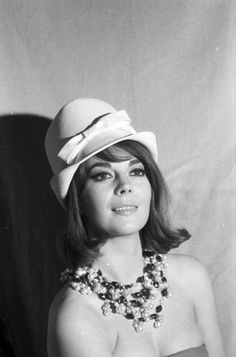 Natalie Wood  Always surprised to find a pic I don't have!!!