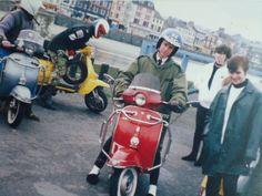 Mods Mod Scooter, Scooter Girl, Mod Mod, Vespa Lambretta, Rude Boy, Skinhead, Mod Fashion, Scooters, Biking